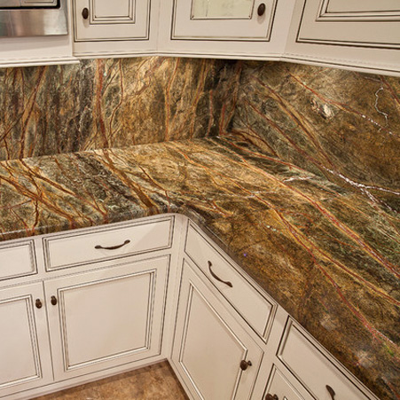 Кухня мраморного цвета